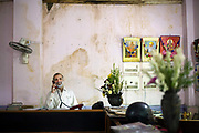 Mukesh Joshi, the manager at Moti Mahal Restaurant in Old Delhi, India<br /> The Moti Mahal restaurant, a Delhi landmark, opened in 1947 is widely credited with inventing the classic Delhi dish, butter chicken