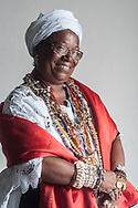Like many other former slaves for the sisterhood of Boa Morte, in Cachoeira, wearing bracelets, necklaces and jewelry in the traditional costume is almost a claim against the owner, that the era of slavery when they could not own anything.