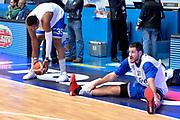 DESCRIZIONE : Cantu, Lega A 2015-16 Acqua Vitasnella Cantu' Enel Brindisi<br /> GIOCATORE : Kenneth Kadji Durand Scott<br /> CATEGORIA : Riscaldamento<br /> SQUADRA : Enel Brindisi<br /> EVENTO : Campionato Lega A 2015-2016<br /> GARA : Acqua Vitasnella Cantu' Enel Brindisi<br /> DATA : 31/10/2015<br /> SPORT : Pallacanestro <br /> AUTORE : Agenzia Ciamillo-Castoria/I.Mancini<br /> Galleria : Lega Basket A 2015-2016  <br /> Fotonotizia : Cantu'  Lega A 2015-16 Acqua Vitasnella Cantu'  Enel Brindisi<br /> Predefinita :