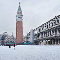 VENICE, ITALY - DECEMBER 17:  A general view of St Mark Square covered with snow on December 17, 2010 in Venice, Italy. Snow has fallen across much of Europe today and is expected to continue over the weekend, causing traffic chaos and disrupting Christmas deliveries. San Marco is one of the six sestieri of Venice, lying in the heart of the city.