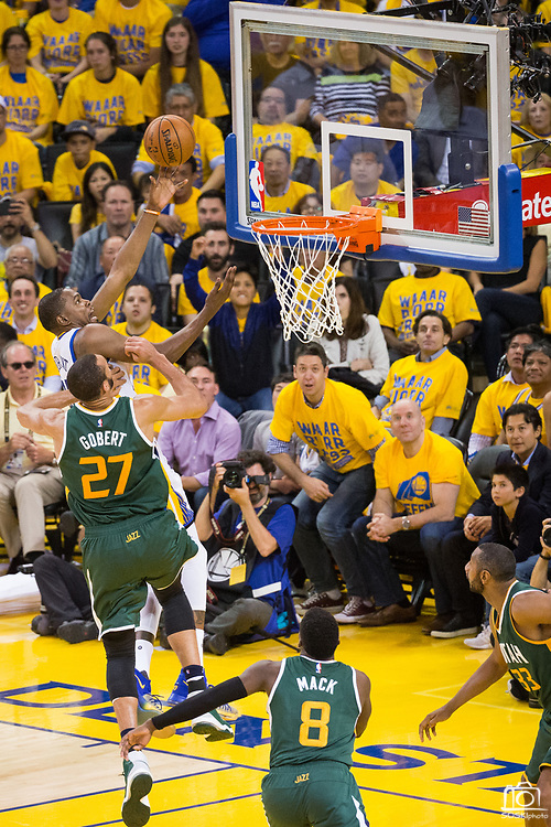 Golden State Warriors forward Kevin Durant (35) attacks the basket against the Utah Jazz during Game 1 of the Western Conference Semifinals at Oracle Arena in Oakland, Calif., on May 2, 2017. (Stan Olszewski/Special to S.F. Examiner)