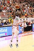 DESCRIZIONE : Campionato 2015/16 Giorgio Tesi Group Pistoia - Acqua Vitasnella Cantù<br /> GIOCATORE : Moore Ronald <br /> CATEGORIA : Tiro<br /> SQUADRA : Giorgio Tesi Group Pistoia<br /> EVENTO : LegaBasket Serie A Beko 2015/2016<br /> GARA : Giorgio Tesi Group Pistoia - Acqua Vitasnella Cantù<br /> DATA : 08/11/2015<br /> SPORT : Pallacanestro <br /> AUTORE : Agenzia Ciamillo-Castoria/S.D'Errico<br /> Galleria : LegaBasket Serie A Beko 2015/2016<br /> Fotonotizia : Campionato 2015/16 Giorgio Tesi Group Pistoia - Sidigas Avellino<br /> Predefinita :