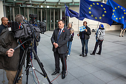 © Licensed to London News Pictures. 04/11/2018. London, UK. Co-founder of the Leave.EU campaign Arron Banks  gives an interview outside BBC Broadcasting House. Photo credit: Rob Pinney/LNP