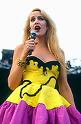 Jerry Hall - The Wall - Berlin