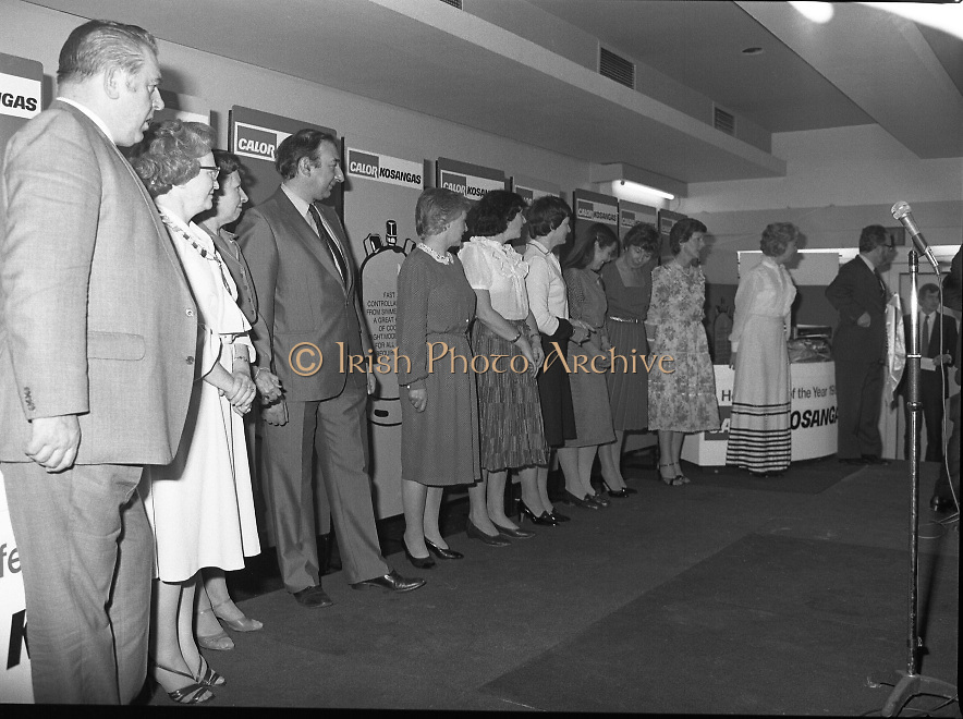 """Calor Kosangas Housewife of the Year - Dublin Regional Final.26/10/1982  26.10.1982..""""Calor Kosangas Housewife Of The Year 1982"""". Dublin Regional Final..The final was held in the Gresham Hotel,O'Connell St,Dublin. The winner was Mrs.,Deirdre Ryan,Derrypatrick,Drumree,Co Meath..The contestants line up on stage for the announcement of the winner of """"The Housewife Of The Year"""""""