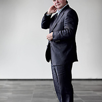 Nederland, Amsterdam , 24 september 2010..Kees Boonman is zijn carrière begonnen als schrijvend journalist bij het Haarlems Dagblad.Presenteert in seizoen 2010/2011:.* TROS Kamerbreed .Kees Boonman is zijn carrière begonnen als schrijvend journalist bij het Haarlems Dagblad. Via diverse opinieweekbladen waaronder De Tijd en Elseviers Weekblad maakt hij in 1987 de overstap naar de radio. Hij wordt politiek redacteur/verslaggever bij de VARA tot 1993. Daarna doet hij hetzelfde werk bij het NOS Journaal. Tussen 2001 en 2005 is hij hoofdredacteur van Netwerk. .Kees Boonman presenteert samen met Margriet Vroomans elke zaterdagochtend tussen 11 en 12 uur TROS Kamerbreed op Radio 1..Foto:Jean-Pierre Jans