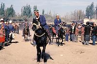 Chine. Province du Sinkiang (Xinjiang). Kashgar (Kashi). Bazar de la vieille ville. Population Ouigour. March?© du dimanche. // China. Sinkiang Province (Xinjiang). Kashgar (Kashi). Old city bazar. Ouigour population. Sunday market.