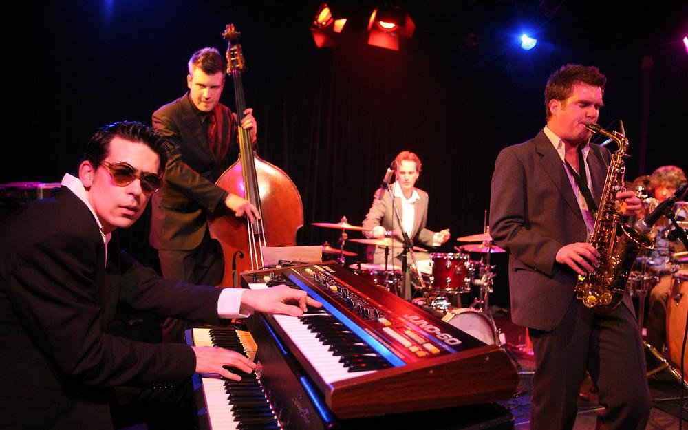 Performance of Dutch jazz band Monsieur Dubois during the Midnight Express Jazz festival // Optreden van Monsieur Dubois tijdens het Midnight Express Jazz festival.