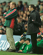 Heineken Cup Semi Final; Gloucester v Leicester Tigers..Managers moment, Dean Richards (L) and Phillippe Saint-Andre, watch play I the closing stage of the cup game 21/04/2001  .... ...........   [Mandatory Credit, Peter Spurier/ Intersport Images].