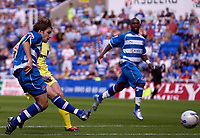Photo: Daniel Hambury.<br /> Reading v Millwall. Coca Cola Championship.<br /> 20/08/2005.<br /> Reading's Bobby Convey scores the first goal.