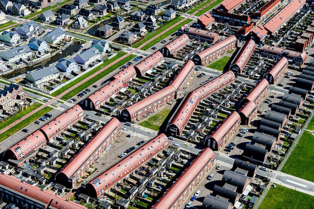 Nederland, Noord-Holland, Zaanstad, 20-04-2015; Noordpolder met de nieuwe woonwijk Saendelft, tussen Assendelft en Krommenie. Bouwblokken.<br /> Newly developed residential area, Zaanstad. <br /> luchtfoto (toeslag op standard tarieven);<br /> aerial photo (additional fee required);<br /> copyright foto/photo Siebe Swart