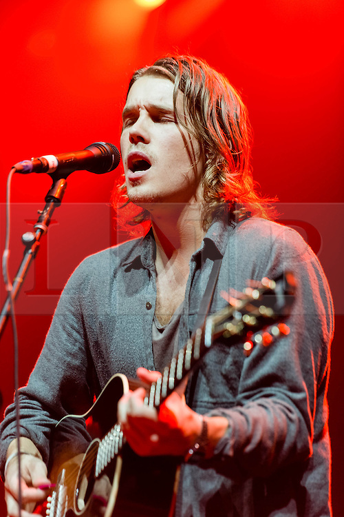 © Licensed to London News Pictures. 09/06/2014. London, UK.   Andreas Moe performing live at The O2 Arena, supporting headliner John Mayer.  In this picture - Andreas Moe.  Andreas Moe is a Swedish singer, songwriter, producer and multi-instrumentalist.   Photo credit : Richard Isaac/LNP