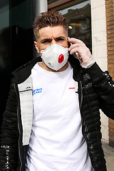 © Licensed to London News Pictures. 09/03/2020. London, UK. A man wearing a protective face mask and plastic gloves in north London. Three coronavirus victims have died and 278 cases have tested positive for the virus. Photo credit: Dinendra Haria/LNP