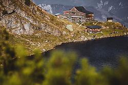 THEMENBILD - der Wildsee und das Wildseeloderhaus, aufgenommen am 20. Oktober 2018 in Fieberbrunn, Österreich // the Wildsee and the Wildseeloderhaus, Fieberbrunn, Austria on 2018/10/20. EXPA Pictures © 2018, PhotoCredit: EXPA/ JFK