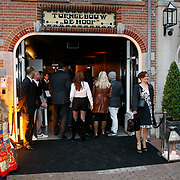 NLD/Amsterdam/20091008 - Designer Vintage for Charity party, ingang