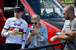 September 22, 2018 - Waterloo, UNITED STATES - Belgian Wout Van Aert and and his wife Sarah De Bie pictured ahead of a training session in preparations for tomorrow's first UCI World Cup cyclocross race of the 2018-2019 cyclocross season in Waterloo (WI), USA, Saturday 22 September 2018. BELGA PHOTO DAVID STOCKMAN (Credit Image: © David Stockman/Belga via ZUMA Press)