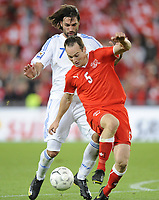 Fotball<br /> Foto: EQ Images/Digitalsport<br /> NORWAY ONLY<br /> <br /> FOOTBALL - FIFA WORLD CUP 2010 - QUALIFYING ROUND - GROUP 7 - SVEITS V HELLAS  - 5/09/2009<br /> <br /> Georgios Samaras (GRE) gegen Steve von Bergen (SUI)