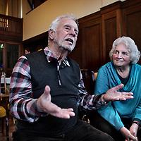 Nederland, Amsterdam , 22 februari 2015.<br /> Tinie Ijsberg en Frans Lavell, beiden kinderen van de Februaristakers na afloop van een kleine voorstelling in Lloyd Hotel.<br /> Foto:Jean-Pierre Jans