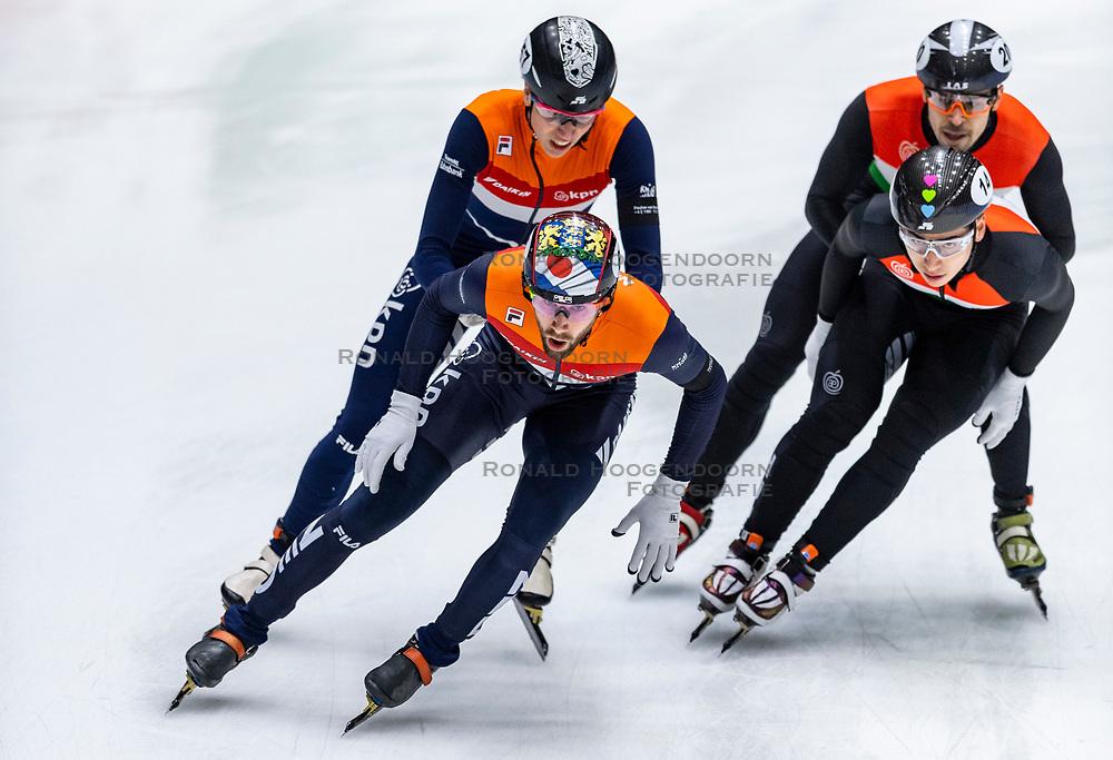 13-01-2019 NED: ISU European Short Track Championships 2019 day 3, Dordrecht<br /> Team Netherlands Daan Breeuwsma #65 NED, Jasper Brunsmann #157 NED in the Men's Relay during the ISU European Short Track Speed Skating Championships.