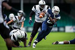 London Blitz running back in action - Mandatory by-line: Jason Brown/JMP - 27/08/2016 - AMERICAN FOOTBALL - Sixways Stadium - Worcester, England - London Warriors v London Blitz - BAFA Britbowl Finals Day