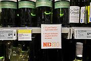 Nederland, Nijmegen, 28-12-2019  In een supermarkt zijn vele soorten wijn en champagne te koop .Foto: Flip Franssen