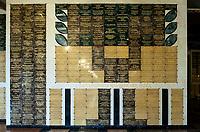 05.04.2015 Lichen Stary woj wielkopolskie Sanktuarium Matki Bozej Bolesnej Krolowej Polski - monumentalna piecionawowa bazylika z centralna kopula , wedlug projektu architekt Barbary Bieleckiej z Gdyni . Jest to obecnie najwieksza swiatynia w Polsce , osma w Europie i dwunasta na swiecie – dlugosc 139 m , szerokosc 77 m , wysokosc wiezy z krzyzem – 141,5 m . Kubatura budowli wynosi ponad 300 tys. m3, powierzchnia 23 tys. m2. Swiatlo wpada do wnetrza przez tyle okien, ile jest dni w roku – 365 , a wejsc do srodka mozna przez tyle drzwi , ile rok ma tygodni – 52 . Do kosciola prowadza 33 stopnie nawiazujace do lat zycia Jezusa Chrystusa na ziemi . Na placu przed bazylika moze zgromadzic sie ok. 250 tys. wiernych n/z tablice z nazwiskami fundatorow fot Michal Kosc / AGENCJA WSCHOD