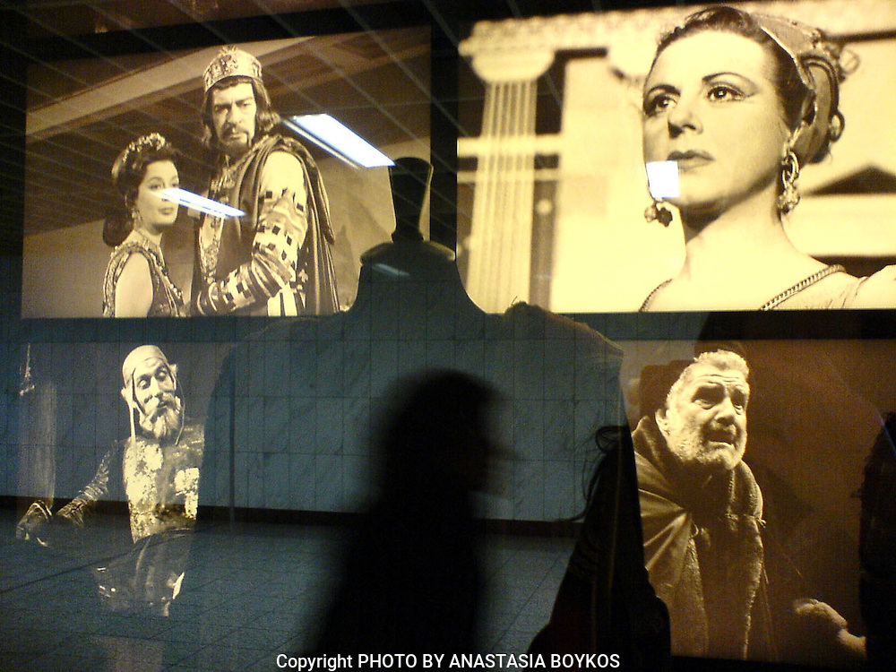 Feel the breath of old Greek performers... <br /> <br /> Syntagma's Metro Station.