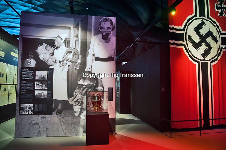 Nederland, Groesbeek, 24-2-2020 Interieur nationaal vrijheidsmuseum, voorheen het bevrijdingsmuseum. Sinds enkele maanden in hun nieuwe gebouw . Het duurzame gebouw heeft een sterke gelijkenis met een enorme parachute. Deze herinnert aan de dropping van duizenden Amerikaanse parachutisten op de landingsterreinen langs de Wylerbaan en op Klein Amerika in Groesbeek op 17 september 1944 tgv operatie Market Garden en aan het grote Rijnlandoffensief op 8 februari 1945. Foto: Flip Franssen