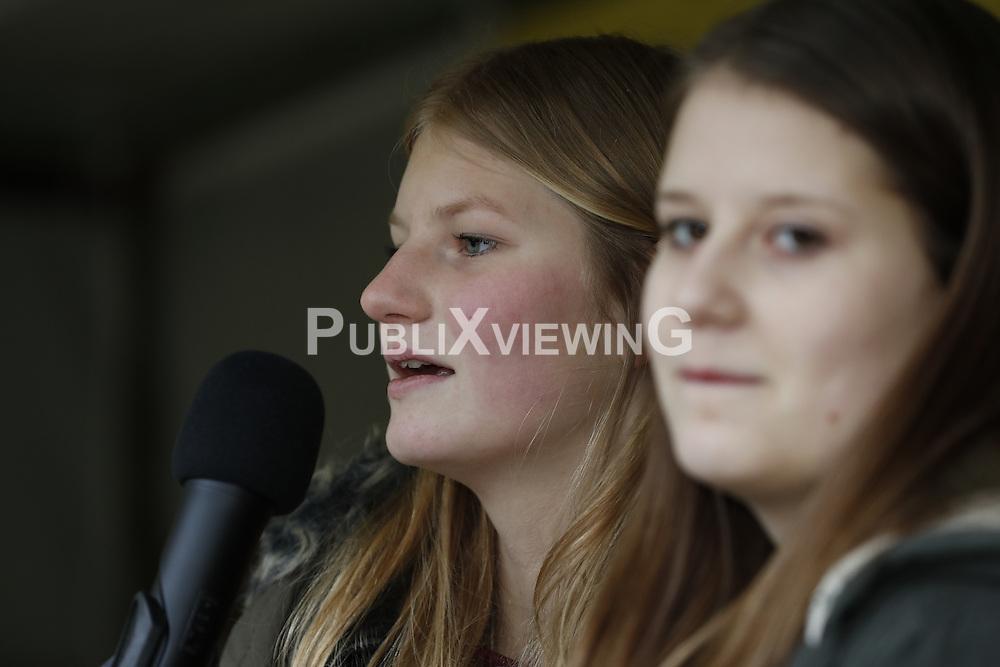 Portrait Gesine Wiese, Jugendliche aus Lüchow-Dannenberg <br /> <br /> Ort: Gorleben<br /> Copyright: Andreas Conradt<br /> Quelle: PubliXviewinG