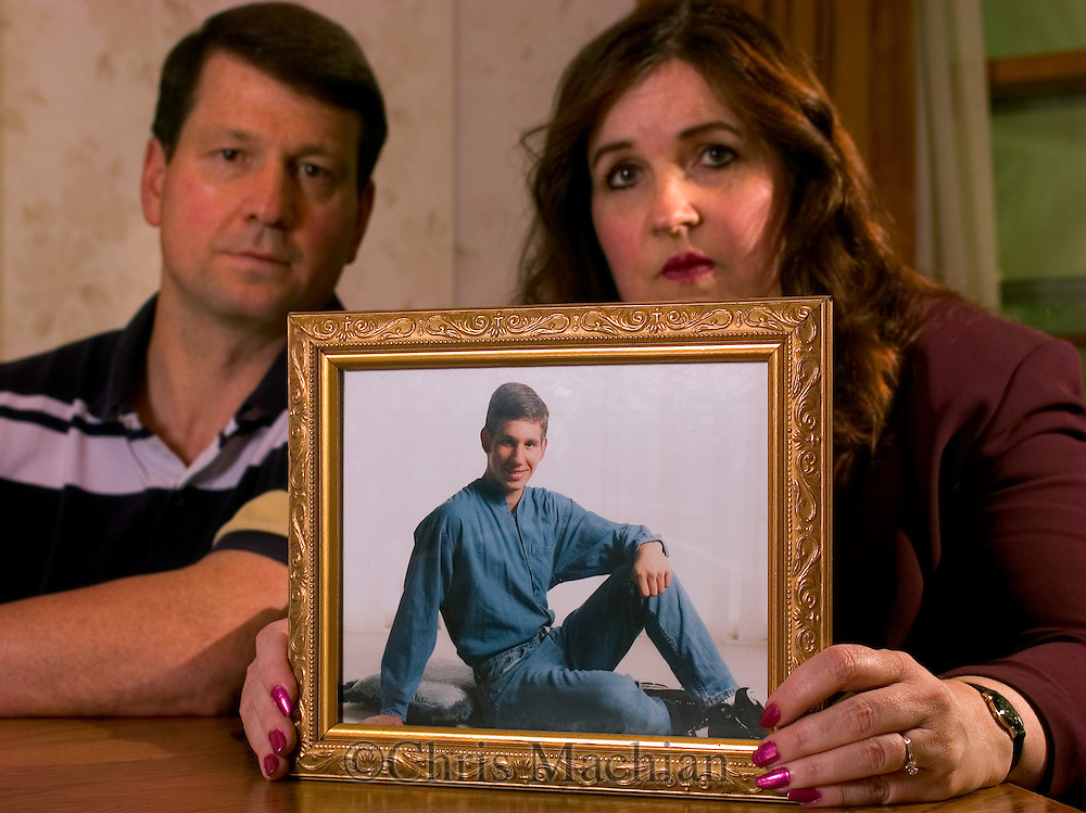 07/13/05 Omaha, Neb.Kelly  and Jim Jolkowski, parents of missing Jason Jolkowski..Also founder of http://www.projectjason.org/. (photo by Chris Machian/Prairie Pixel Group)..