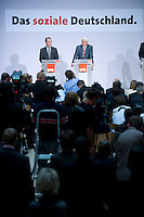 08 SEP 2008, BERLIN/GERMANY:<br /> Franz Muentefering (L), SPD, desig. Parteivorsitzender, und Frank-Walter Steinmeier (R), SPD, Bundesaussenminister und desig. Kanzlerkandidat, waehrend einer Pressekonferenz nach den Sitzungen von SPD Praesidium und Parteivorstand nach dem Ruecktritt von K urt B eck, Willy-Brandt-Haus<br /> IMAGE: 20080908-03-014<br /> KEYWORDS: Franz Müntefering, Kamera, Camera, Journalist, Journalisten