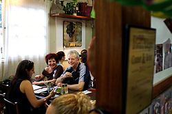 O candidato à reeleição pelo PDT em Porto Alegre, José Fortunati durante pausa para um cafézinho no Armazém Machry Bistrô, zona sul de Porto Alegre. FOTO: Jefferson Bernardes/Preview.com