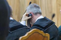 AVVOCATO GIANLUCA BELLUOMINI AL TELEFONO CON IGOR<br /> UDIENZA PROCESSO IGOR VACLAVIC NORBERT FEHER A FERRARA