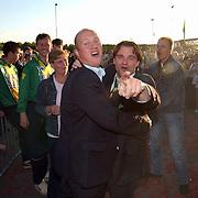 SV Huizen 1 kampioen 2003 hoofdklasse a, trainer Roy Wesseling, supporters, feest, felicitatie, blijdschap