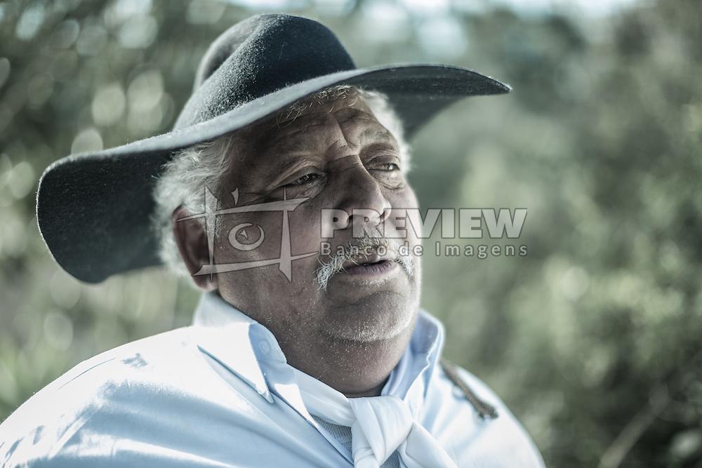 Retrato de um Gaúcho tipicamente vestido. FOTO: Jefferson Bernardes/ Agência Preview