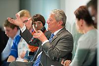 """29 AUG 2013, BERLIN/GERMANY:<br /> Joachim Gauck, Bundespraesident, waehrend einer Diskussion mit Schuelern unter dem Motto """"Deine Stimme zaehlt!"""" anl. der Bundestagswahl, Aula des Oberstufenzentrums Handel 1, Wrangelstraße 98, Berlin-Kreuzberg<br /> IMAGE: 20130829-01-022<br /> KEYWORDS: Schüler, Schule, Jugend, Jugendliche"""