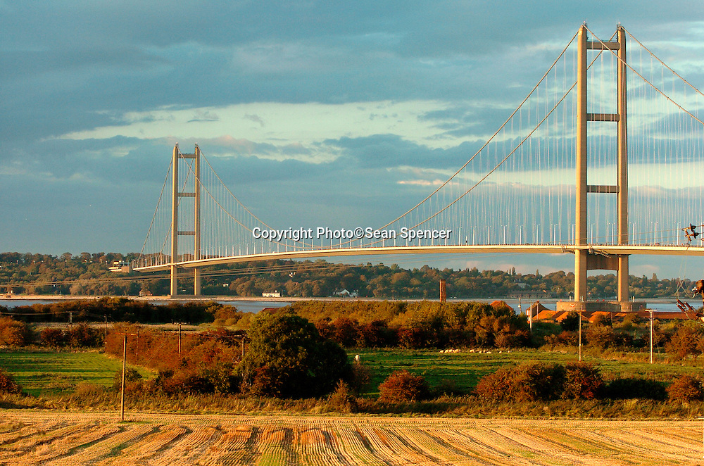 The Humber Bridge taken from the Lincolnshire side..Picture:Sean Spencer/hullnews.co.uk 01482 210267/07976 433960.www.hullnews.co.uk.©Sean Spencer/Hull News & Pictures Ltd.NUJ recommended terms & conditions apply. Moral rights asserted under Copyright Designs & Patents Act 1988. Credit is required. No part of this photo to be stored, reproduced, manipulated or transmitted by any means without permission. .