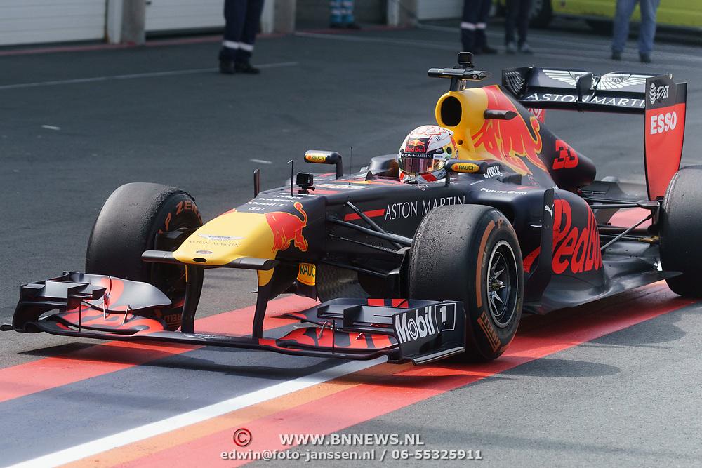 NLD/Zandvoort/20190518 - Jumbo Racedagen 2019, Max Verstappen in zijn Redbull Formule 1 wagen