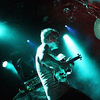 Nederland, Amsterdam , 25 augustus 2014.<br /> Zanger gitarist John Dwyer van de Amerikaanse psychadelische Rockband Thee oh Sees uit Californie tijdens hun optreden in de Melkweg.<br /> Foto:Jean-Pierre Jans