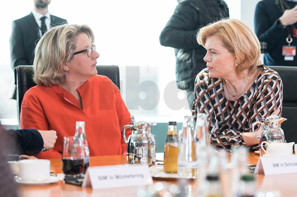27 FEB 2019, BERLIN/GERMANY:<br /> Svenja Schulze (L), SPD, Bundesumweltministerin, und Julia Kloeckner (R), CDU, Bundeslandwirtschaftsministerin, im Gespraech, vor Beginn der Kabinettsitzung, Bundeskanzleramt<br /> IMAGE: 20190227-01-022<br /> KEYWORDS: Kabinett, Sitzung, Gespräch, Julia Klöckner
