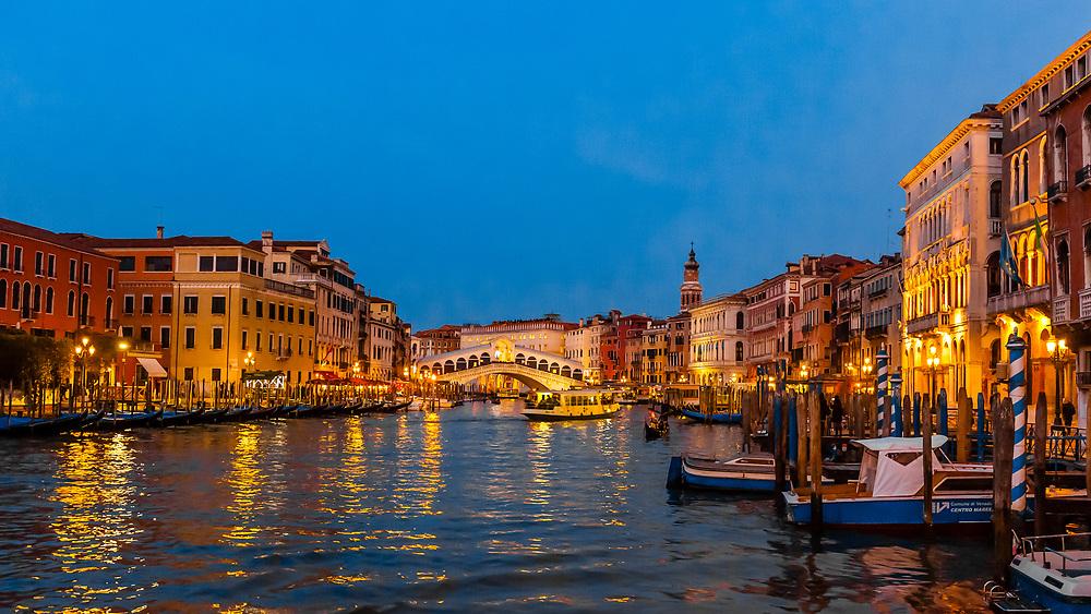 Rialto Bridge, Grand Canal, Venice, Italy.