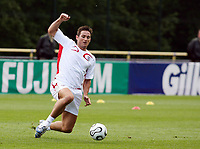 Photo: Chris Ratcliffe.<br />England training session. 06/06/2006.<br />Frank Lampard stretches for the ball.