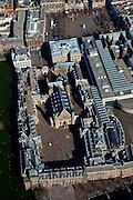 Nederland, Zuid-Holland, Den Haag, 20-03-2009; Hofweg met ingang Binnenhof, links gebouw van de Eerste Kamer gelegen aan de Hofvijver, Ridderzaal en rechts deel nieuwbouw Tweede Kamer. Op tweederde links het Mauritshuis met daarvoor het Ministerie van Algemene Zaken (met het Torentje), rechtsboven en het Plein.  View on the heart of the Dutch First and Second Chamber and Parliament in The Hague. The Hofvijver (Court Pond), the Torentje (Little Tower), office of the Prime Minister and museum the Mauritshuis..Swart collectie, luchtfoto (toeslag); Swart Collection, aerial photo (additional fee required); .foto Siebe Swart / photo Siebe Swart