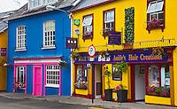 KINSALE (CORK) - IERLAND -  gekleurde huisjes in Kinsale . COPYRIGHT KOEN SUYK