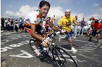 CYCLING - TOUR DE FRANCE 2004 - STAGE 13 - LANNEMEZAN > PLATEAU DE BEILLE - 17/07/2004 - PHOTO : NICO VEREECKEN / DIGITALSPORT<br /> FRANCISCO MANCEBO (ESP) / ILES BALEARES - BANESTO
