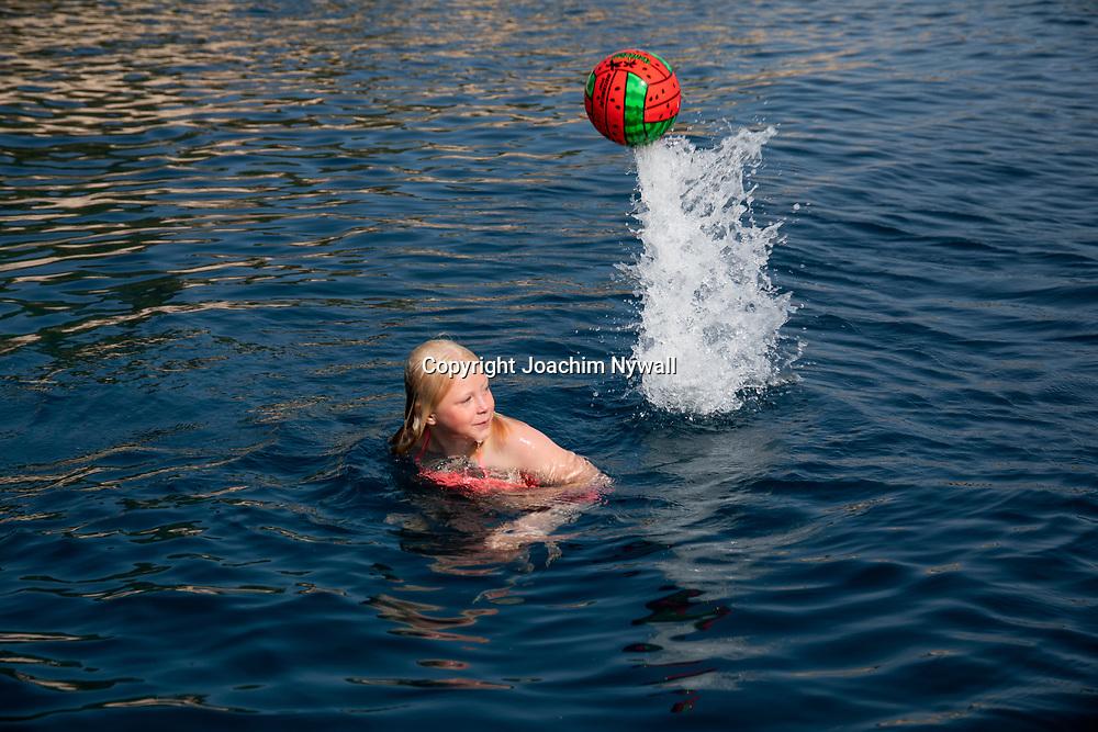 Vis Dalmatien Kroatien 2021 06 23<br /> Vackra ön o staden Vis vid Adriatiska havet. <br /> Sommar sol semester båtar Bad<br /> Kroatien<br /> <br /> ----<br /> FOTO : JOACHIM NYWALL KOD 0708840825_1<br /> COPYRIGHT JOACHIM NYWALL<br /> <br /> ***BETALBILD***<br /> Redovisas till <br /> NYWALL MEDIA AB<br /> Strandgatan 30<br /> 461 31 Trollhättan<br /> Prislista enl BLF , om inget annat avtalas.