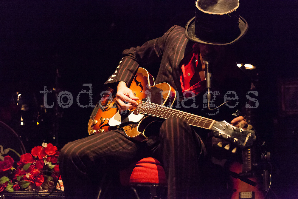 """Dead Combo performing for the """"Mostra Portuguesa"""" in Madrid"""