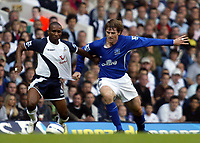 Photo: Chris Ratcliffe.<br />Tottenham Hotspur v Everton. The Barclays Premiership.<br />15/10/2005.<br />Kevin Kilbane of Everton and Jermaine Defoe of Spurs tussle for the ball