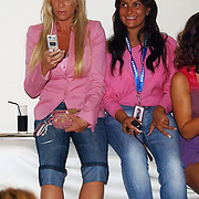NLD/Amsterdam/20050628 - Presentatie Samsung Ladyphone, Angela Kluivert - van Hulten
