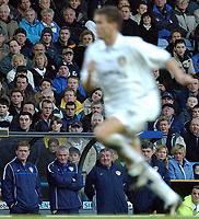 Fotball. Premier League. 01.12.2002.<br /> Leeds v Charlton.<br /> Terry Venables, manager i  Leeds (i bakgrunnen).<br /> Foto: Javier Garcia, Digitalsport